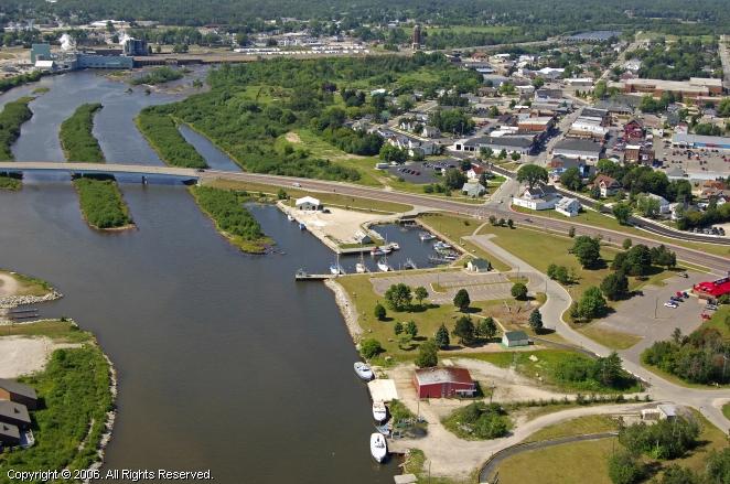 Manistique (MI) United States  city photos gallery : Manistique Municipal Marina in Manistique, Michigan, United States
