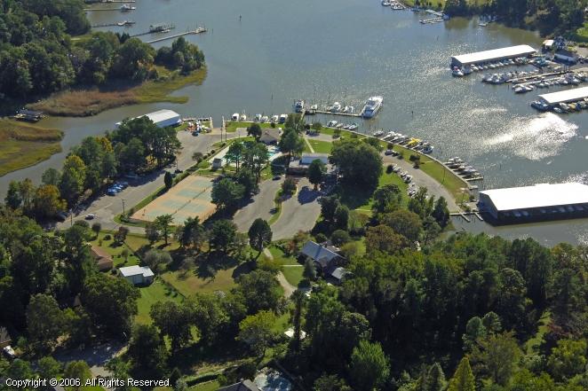 Warwick Yacht & Country Club