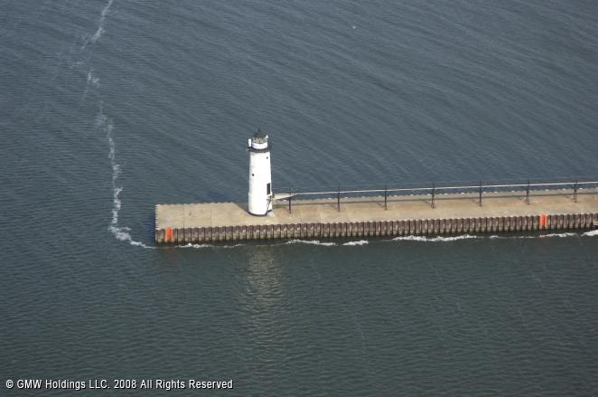 Manistee North Pierhead Lighthouse