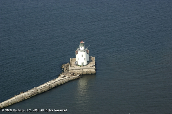Cleveland West Pierhead Light