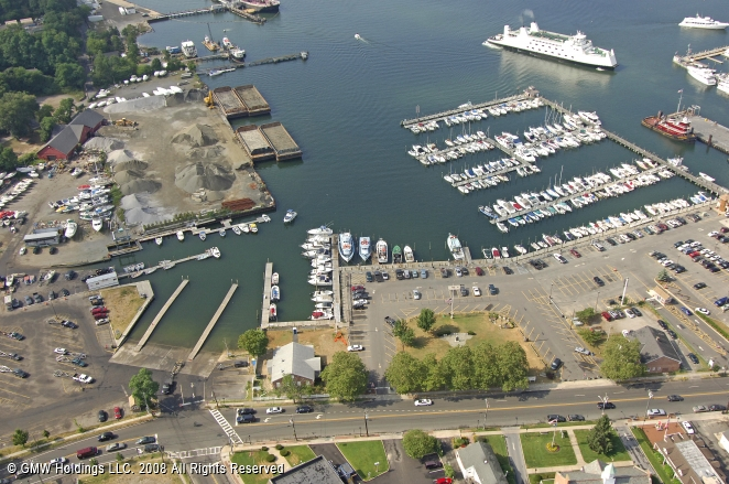 Caraftis fishing station in port jefferson new york for Port jeff fishing
