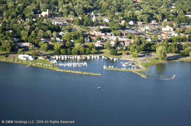 Liverpool (NY) United States  city images : Onondaga Lake Park Marina in Liverpool, New York, United States