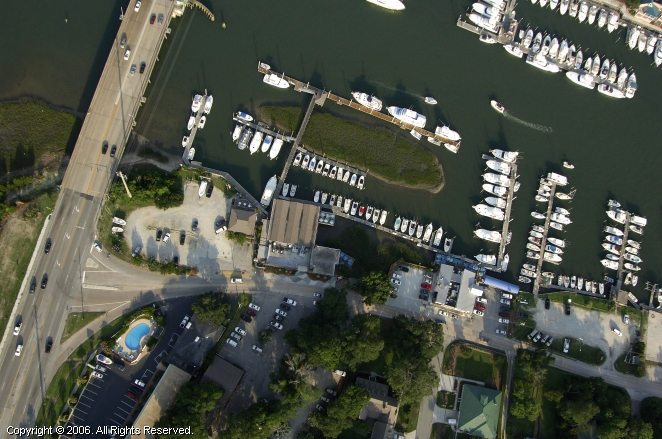 Dockside Restaurant and Marina