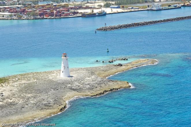 Nassau Harbour Lighthouse