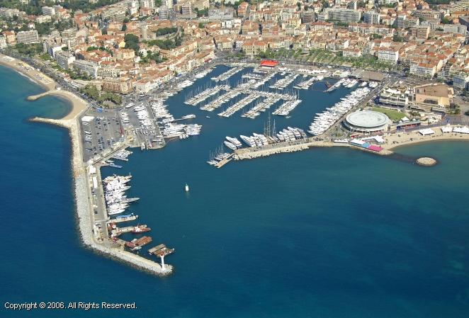 Port de cannes marina in provence alpes cote d 39 azur france - Port de cannes capitainerie ...