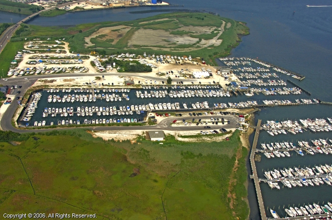 Bree-Zee-Lee Yacht Basin