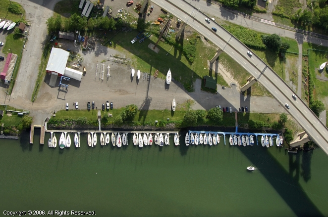RCR Yachts Skyway Marina