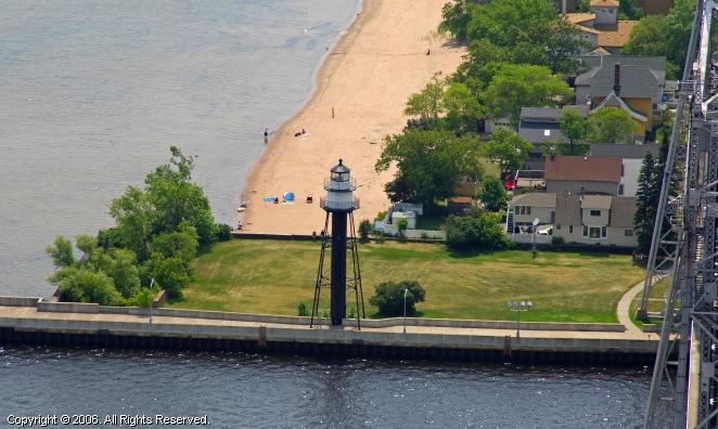 Duluth Harbor South Breakwater Inner Lighthouse